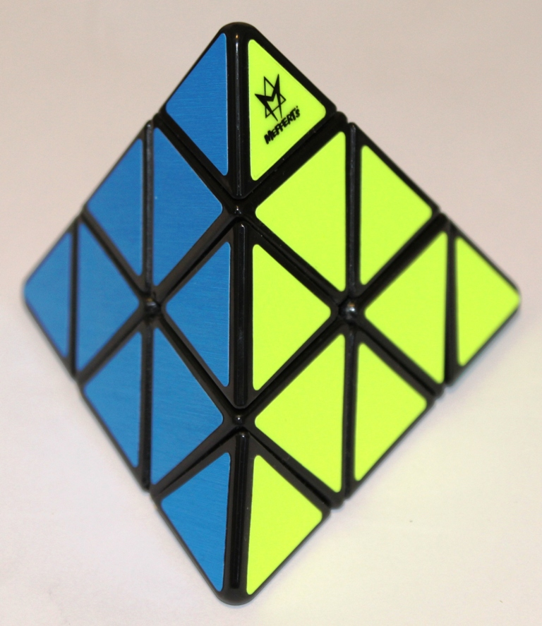 Pyraminx blue yellow