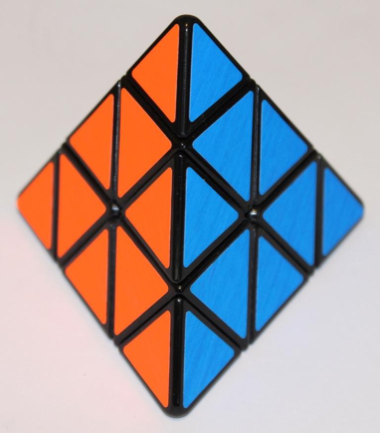 Pyraminx red blue